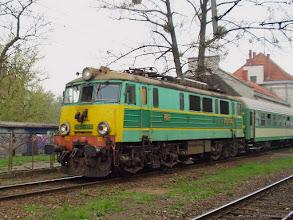 """Photo: EP07-376, P """"Jeziorak"""" Olsztyn Główny - Wrocław Główny {Toruń Miasto; 2004-04-23}"""