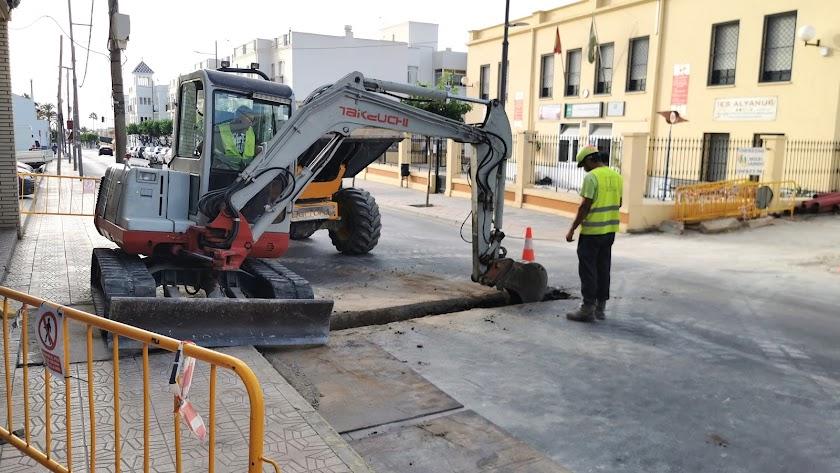 Obras en la Calle Mayor de Vera.