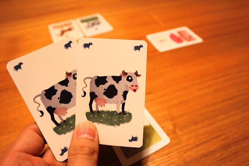 カードを2枚出す:【ボードゲームレビュー】おろかな牛/愚かな牛
