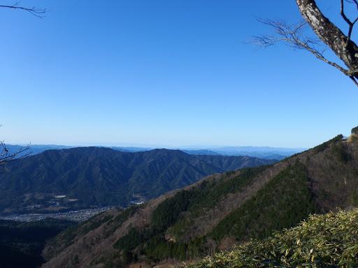 右奥に高賀三山