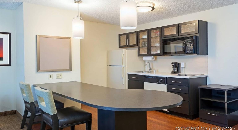 Candlewood Suites Saint Louis
