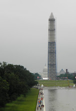 Photo: The Capital, Washington and Lincoln Monuments and Arlington Cemetary are all connected by a straight line.