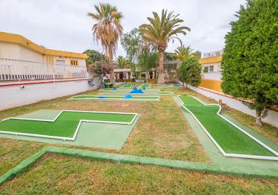 THE COMPLEX - Mini golf