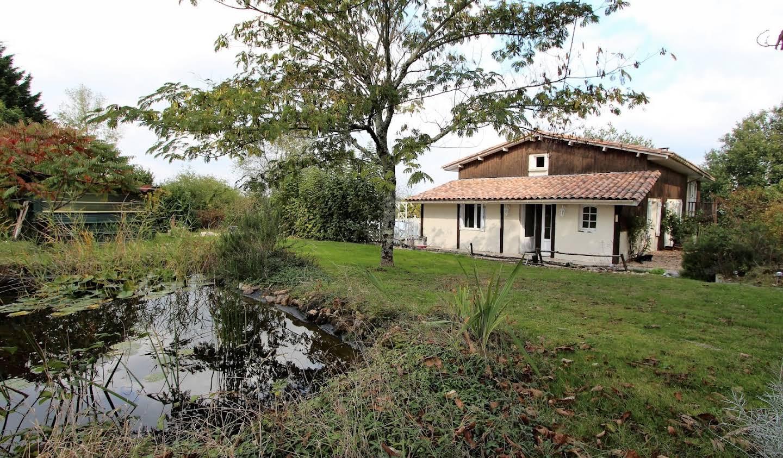 Maison avec piscine et terrasse Grun-Bordas