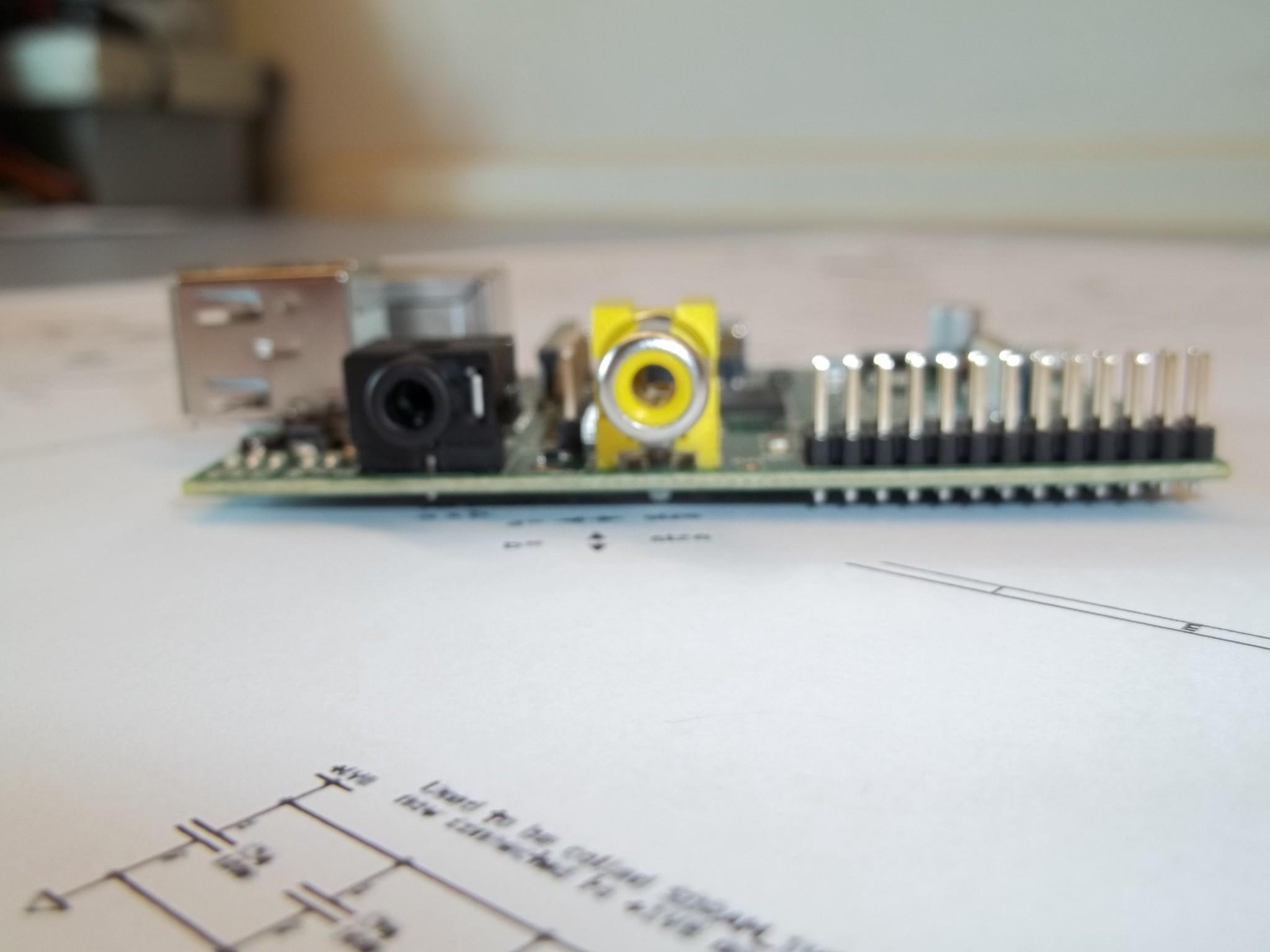Photo: varie viste della Raspberry Pi OUT Audio - OUT Video RCA - GPIO