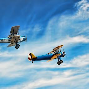 EN PAREJA... by Luis Orchevecs Ferenczi - Transportation Airplanes