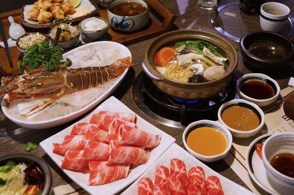 日高鍋物~滿足的雙人龍蝦海陸套餐,配PRIME等級的美國板腱牛和伊比利豬,超過癮!!