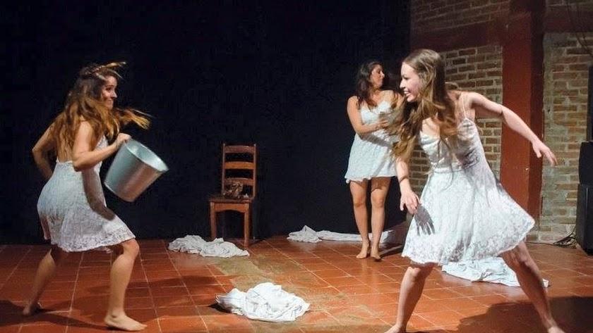 Representación de 'La intimidad de Yerma' por parte de la compañía almeriense Márgenes Teatro.