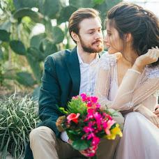 Wedding photographer Evgeniya Izotina (Izotina). Photo of 14.02.2018