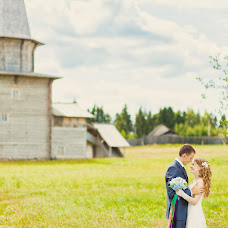 Wedding photographer Olga Gumarova (flomaster). Photo of 20.02.2014