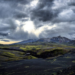 #ig_iceland133#ic_adventures#skysultans#worlds_bestsky#ig_europe #hiking #trekking #awesomearth #awesomeglobe #worldshotz#wonderfulplaces#bestnatureshot #bestintravel #bestmountainartists #bestoficeland #mountainworld #ig_worldclub #splendid_shotz #splendid_earth #tlpicks #ig_great_pics #ig_exquisite #igscglobal #igworldclub by Walle Grevik - Landscapes Mountains & Hills (  )