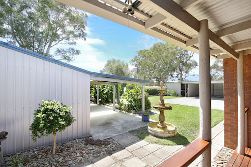 Photo of property at 10 De Motts Road, Anakie 3213
