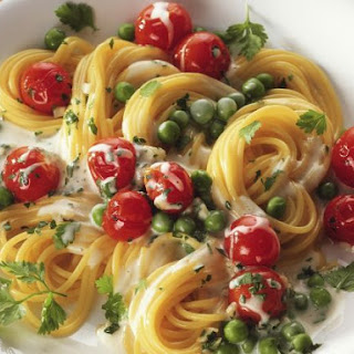 Cherry Tomato and Pea Spaghetti in Cream Cheese Sauce