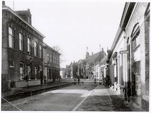 Photo: 1925 Dreef, let op de elektrische lantarens aan de telefoonpalen en het postkantoor!