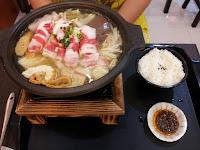 台北(江)麻辣臭豆腐美村店