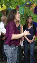 Photo: The Big Sing Workshop with Jo Sercombe © The Priston Festival 2009, photo: Jacqueline Ross