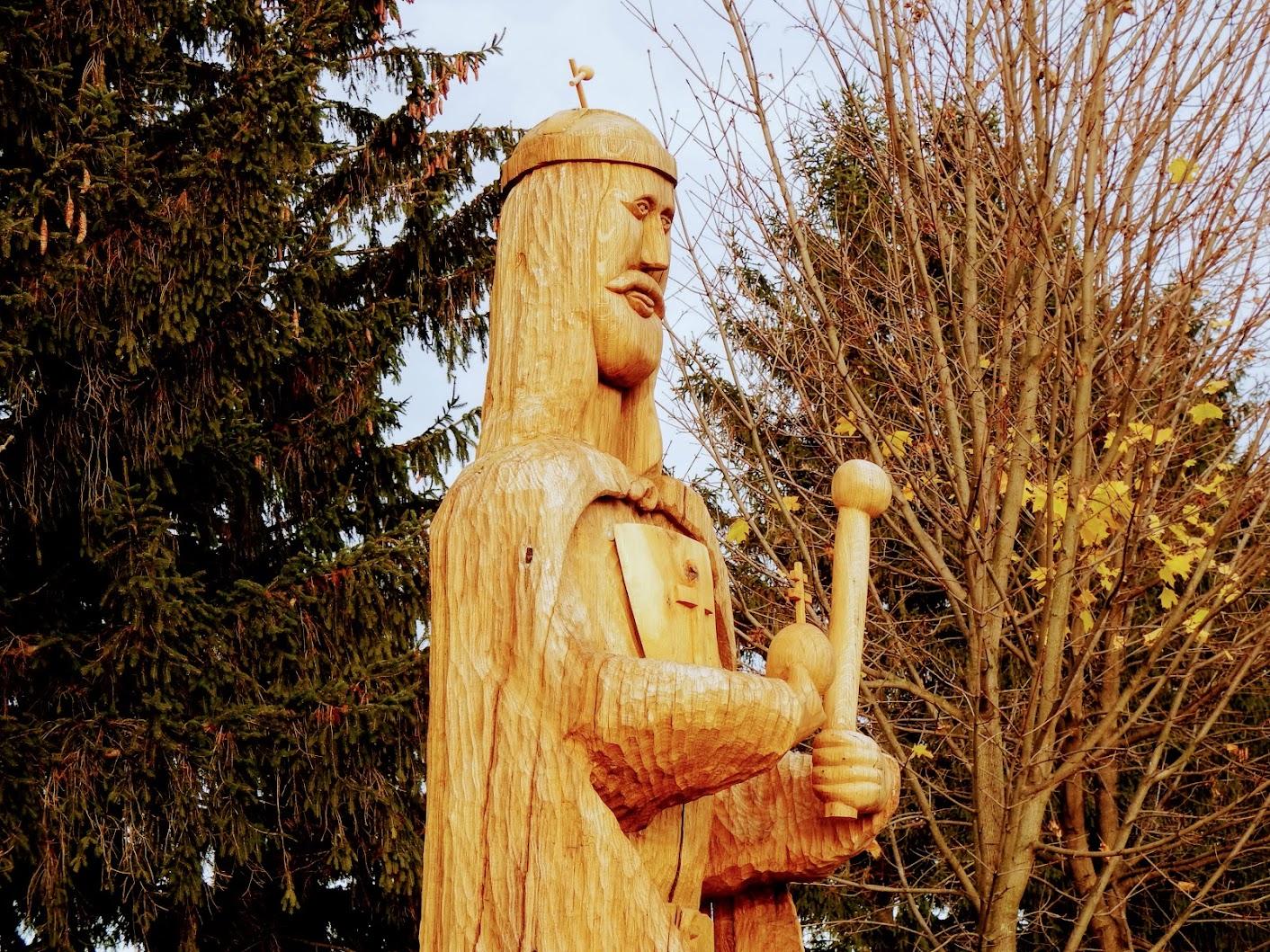 Vasszécseny - Szent István-szobor a szécsenyi temető déli oldalán