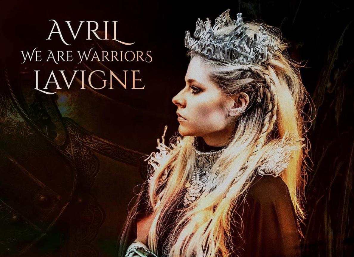 艾薇兒 Avril Lavigne 推慈善單曲〈We Are Warriors〉「獻給所有醫療人士、郵政人員、雜貨店、警察和消防員!謝謝你們所做的一切!」