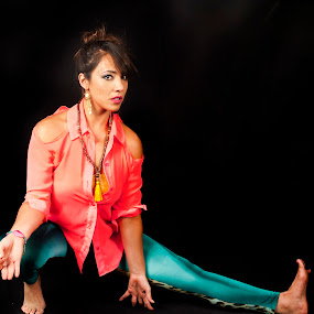 Lady yogi by Cristobal Garciaferro Rubio - Sports & Fitness Other Sports ( yogi, woman, beauty, yoga )