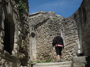 Photo: After lunch at the Cafe Sade, we climb to the castle.