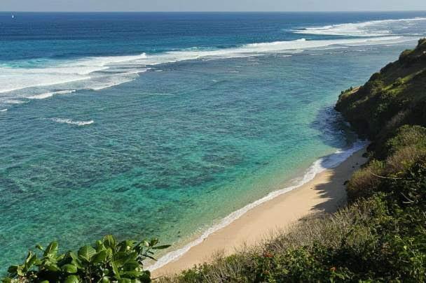 Gunung-Payung-Beach