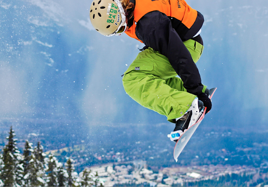 5 Reasons Snowboarding Equipment Makes a Great Gift