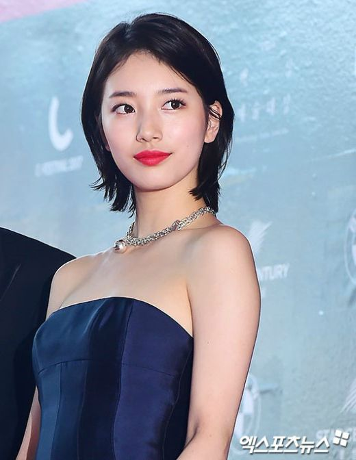 suzy gown 23