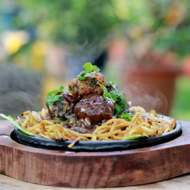 Vegetarian Chinese Sizzler Recipe | Indo-Chinese Inspired Recipes | Written by Kavitha Ramaswamy of Foodomania.com