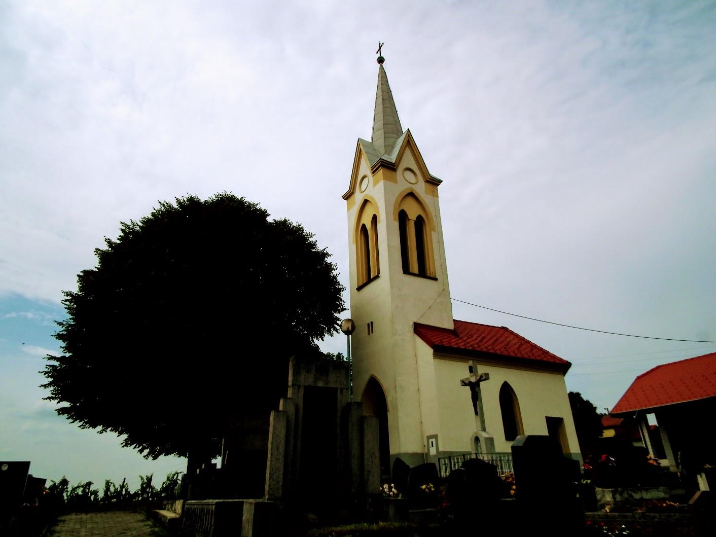 Vučja Gomila (Zsidahegy) - kapela pri pokopališču (temetőkápolna)