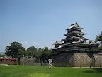 松本城。周囲の建物は、高さ制限がされているようだ