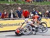 Mooi gebaar van Mark Cavendish: Britse sprinter stopt bij Caleb Ewan om te kijken of hij in orde is