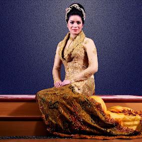 by Aditya Krista - People Fashion ( girls, fashion, indonesia, traditional, beauty, women )