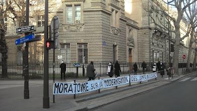 Photo: Le moratoire sur la modernisation a été demandé par l'Eglise catholique lors du vote en octobre 2013 de la loi de programmation nucléaire.
