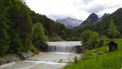 Photo: Wir folgen der Pisnica. Anfahrt zum Vrsic-Pass.