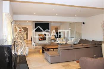 Villa 7 pièces 390 m2