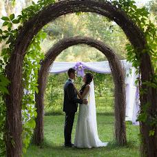 Wedding photographer Pavel Nikonov (09061992). Photo of 13.09.2015