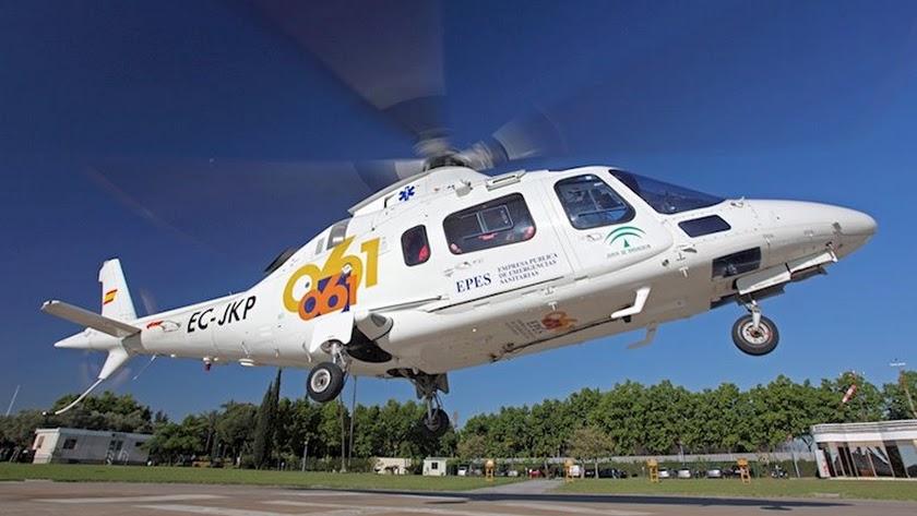 El menor fue trasladado en helicóptero a Torrecárdenas.