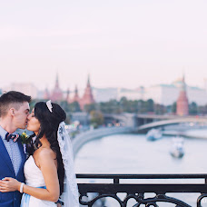 Wedding photographer Liliya Abdullina (liliphoto). Photo of 24.10.2014