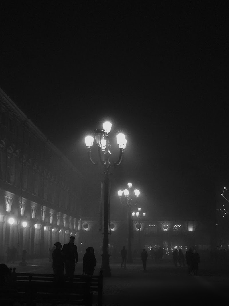 Nebbia sopra torino  di AlexMarinos