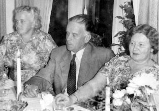 Photo: Västra Gården 1956 Alva Ahlström, Erik och Eola Persson