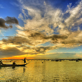 Row Your Boat by Arnel Palor - People Street & Candids ( boat, tagapo, talim island, row )