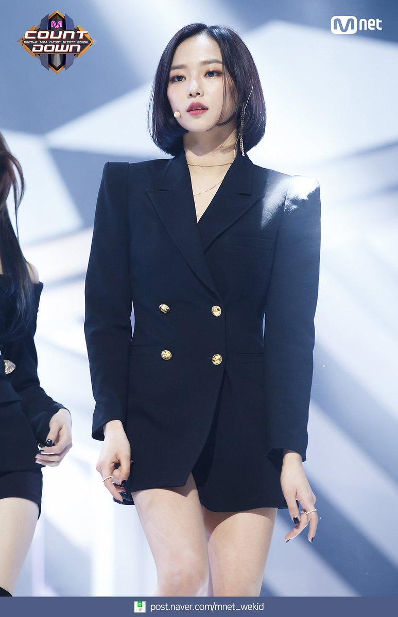 yeeun suit 4