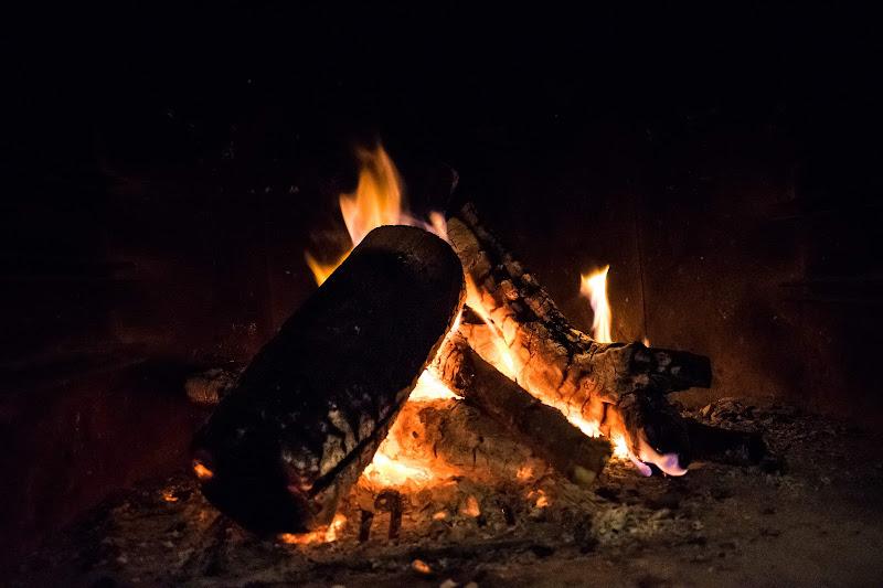 Combustioni  di desideria maglione