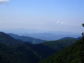 中央に古城山、左に百々ヶ峰・金華山など
