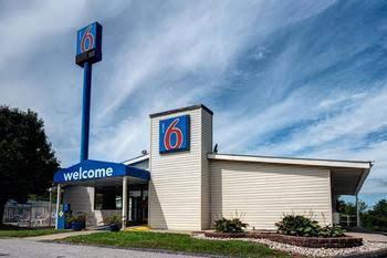 Motel 6 Charleston West - Cross Lanes