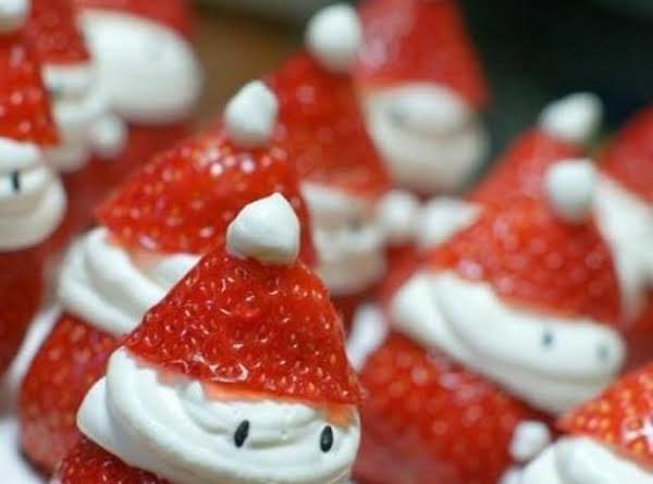 Fun And Easy Strawberry Santa's For The Holidays.
