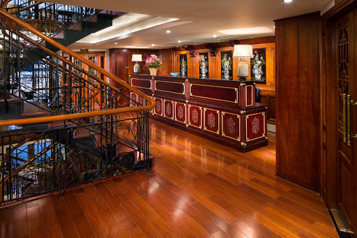 AmaDara-Reception-area - The reception desk aboard AmaDara.