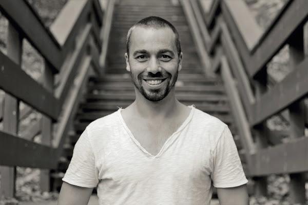 Julien Remo, professeur yoga & méditation pleine conscience