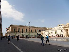 Photo: Valletta. Palace Square. Right: Main Guard Palace.  http://www.loki-travels.eu/