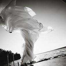Wedding photographer Vasiliy Tikhomirov (BoraBora). Photo of 21.06.2014